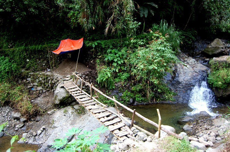 Day 3 of a Philippine Mountain Hiking Trek and another bridge